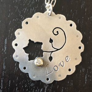 Jewelry - Sterling silver necklace with flower and diamond